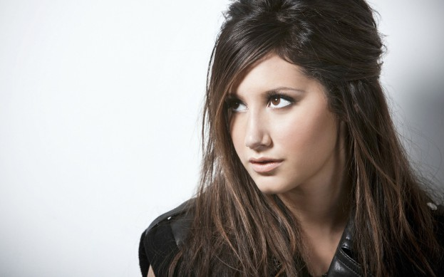 Ashley-Tisdale-10