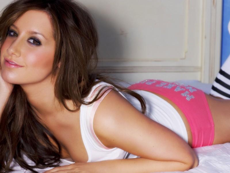 Ashley-Tisdale-Sexy-08