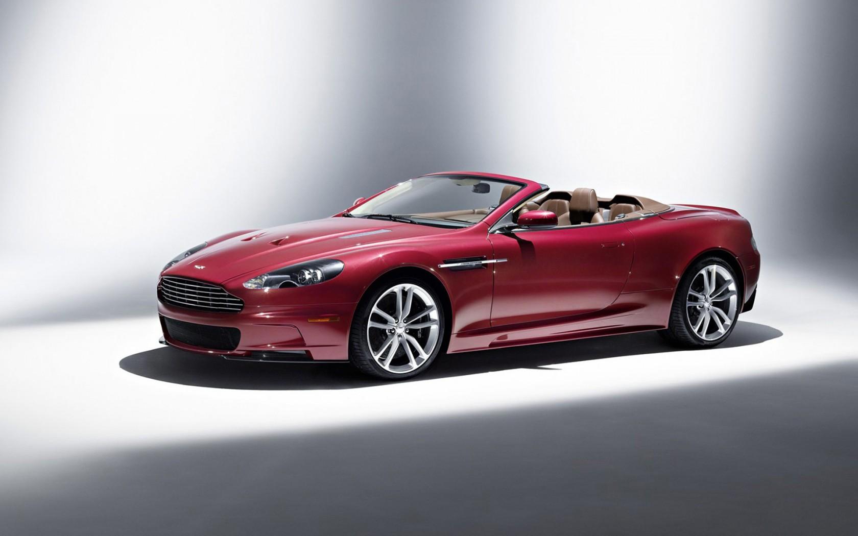 Aston-Martin-DBS-Volante