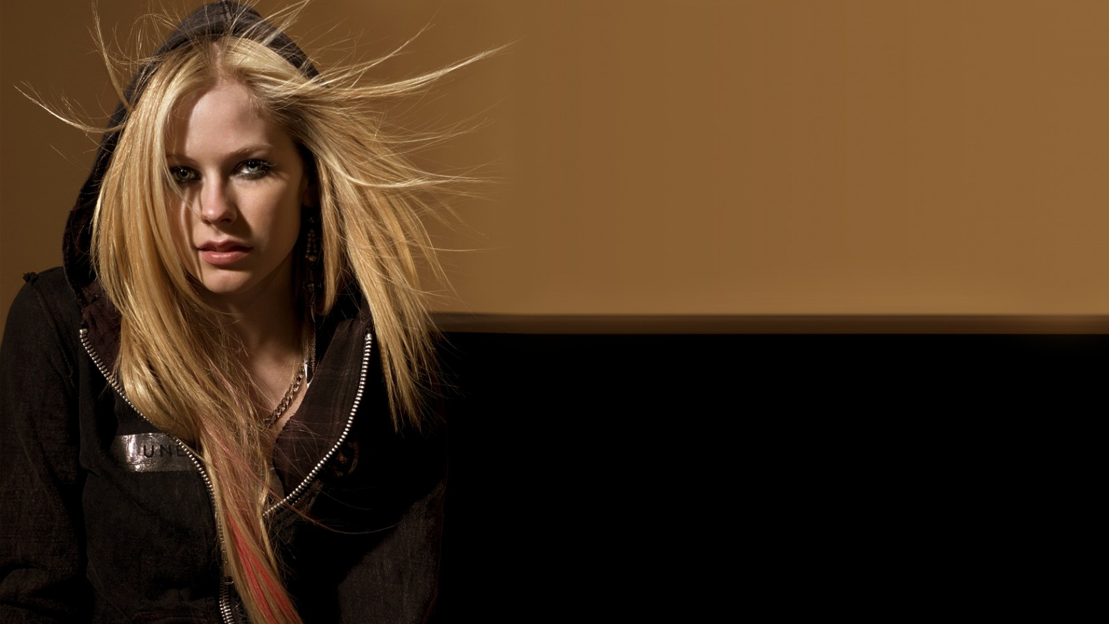 Avril-Lavigne-Wallpaper