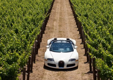 Bugatti-Veyron-Pozadia-na-plochu