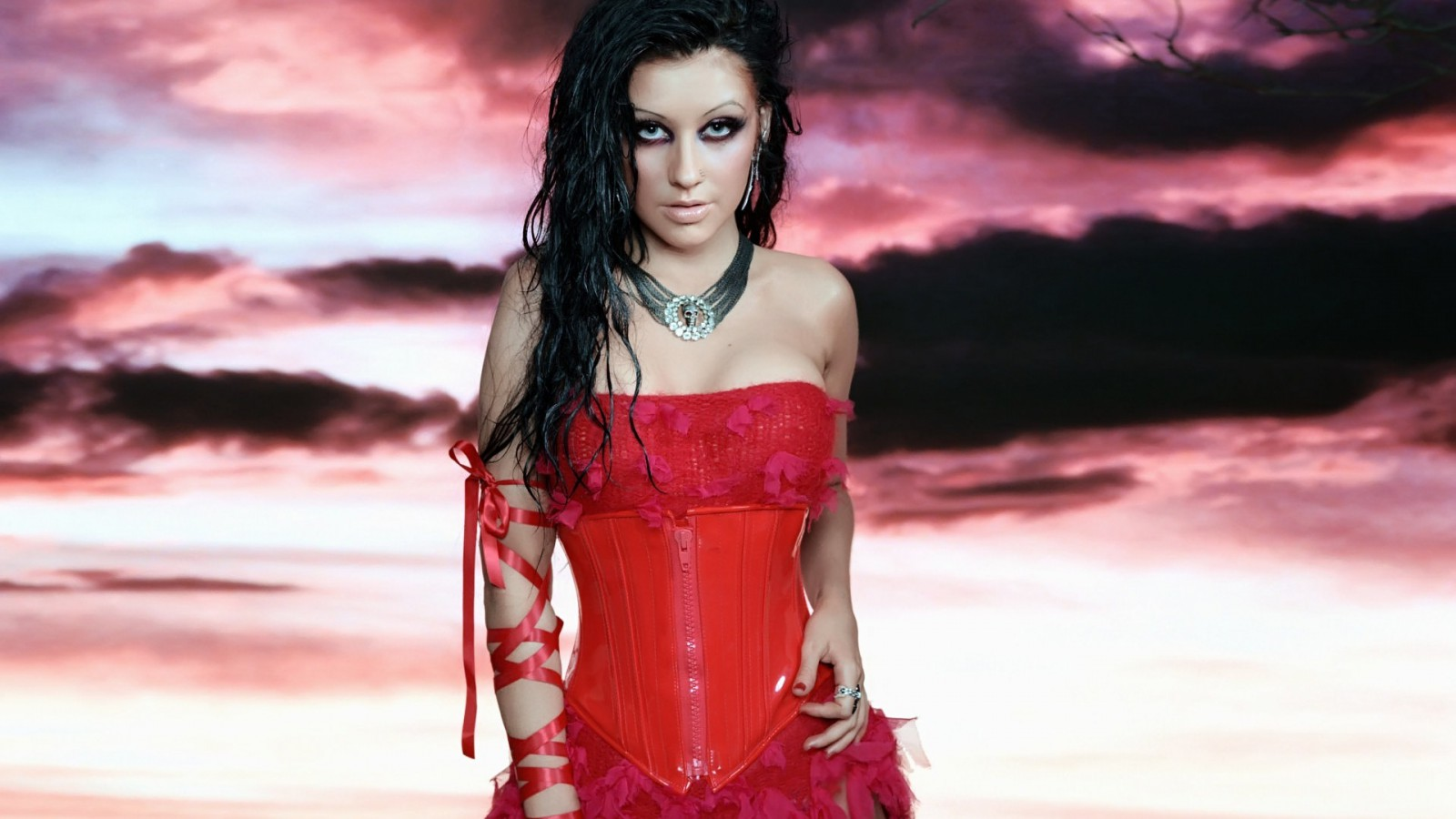 Christina-Aguilera-Pozadia-na-plochu