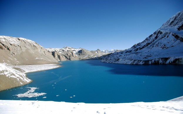 Jazero-v-zime