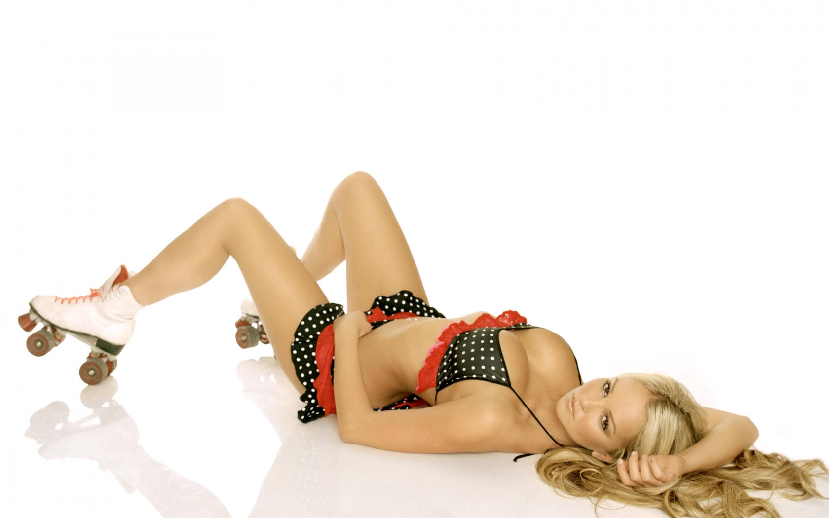 Jennifer-Ellison-Sexi-02-Pozadia-na-plochu