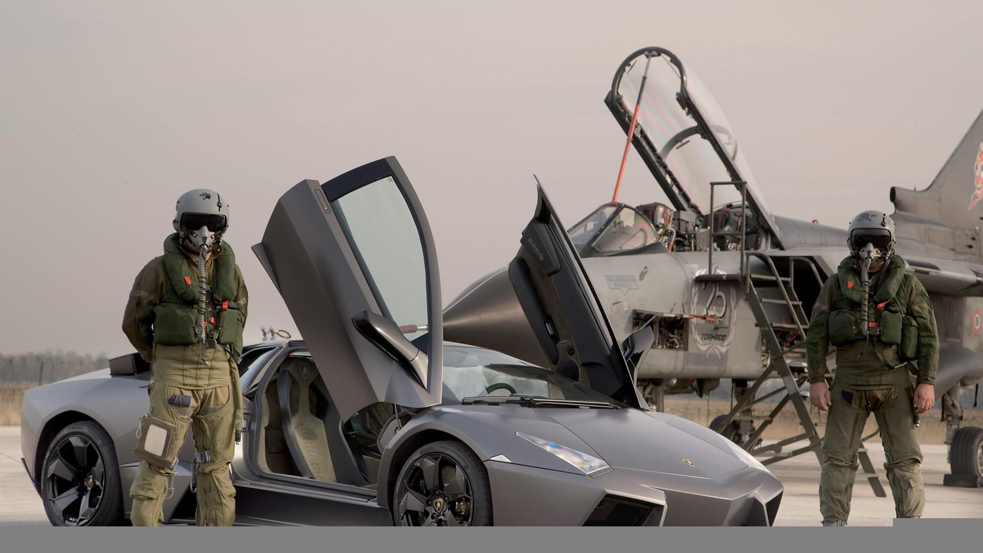 Lamborghini-Military-Pozadia-na-plochu
