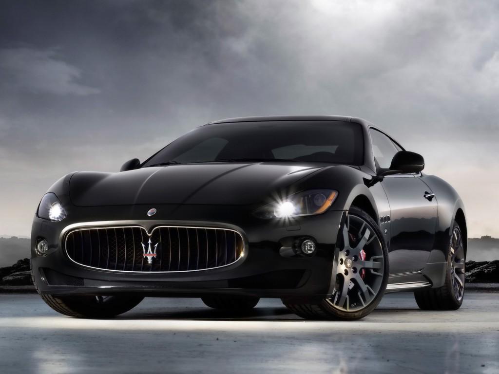Maserati-Gran-Turismo-S-Pozadia-na-plochu