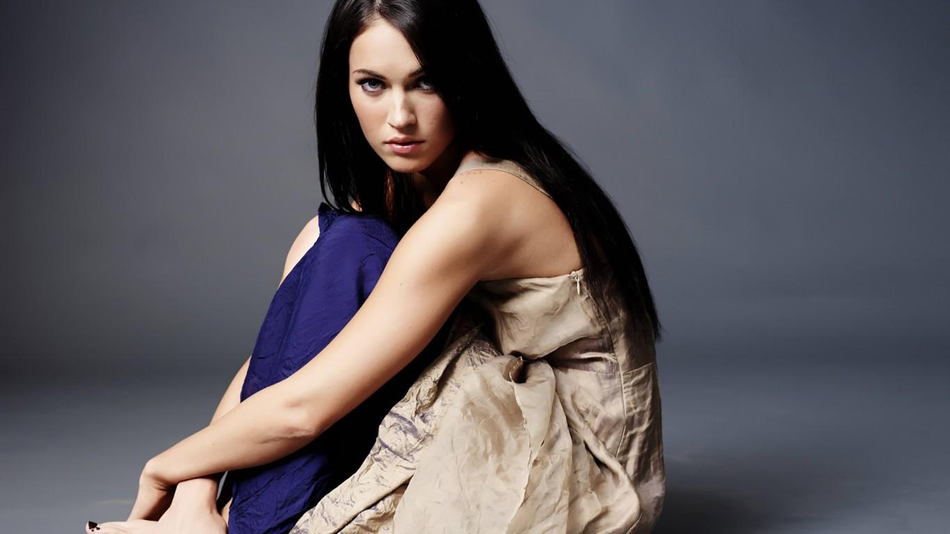 Megan-Fox-02-Pozadia-na-plochu