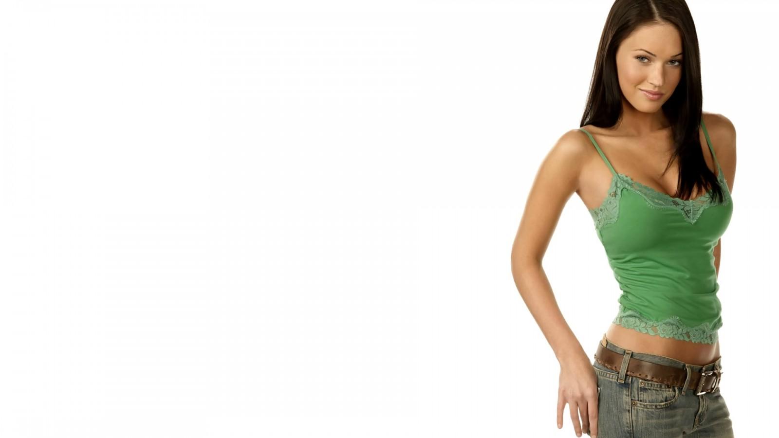 Megan-Fox-Pozadia-na-plochu
