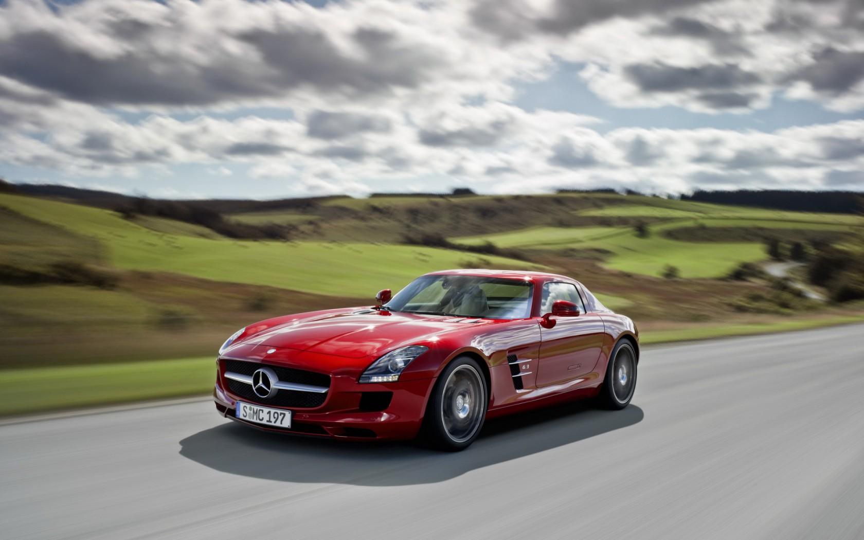 Mercedes-SLS-AMG-01