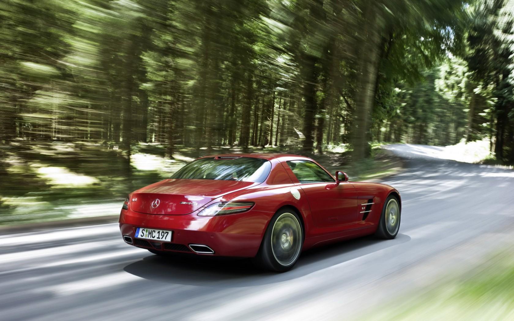Mercedes-SLS-AMG-02