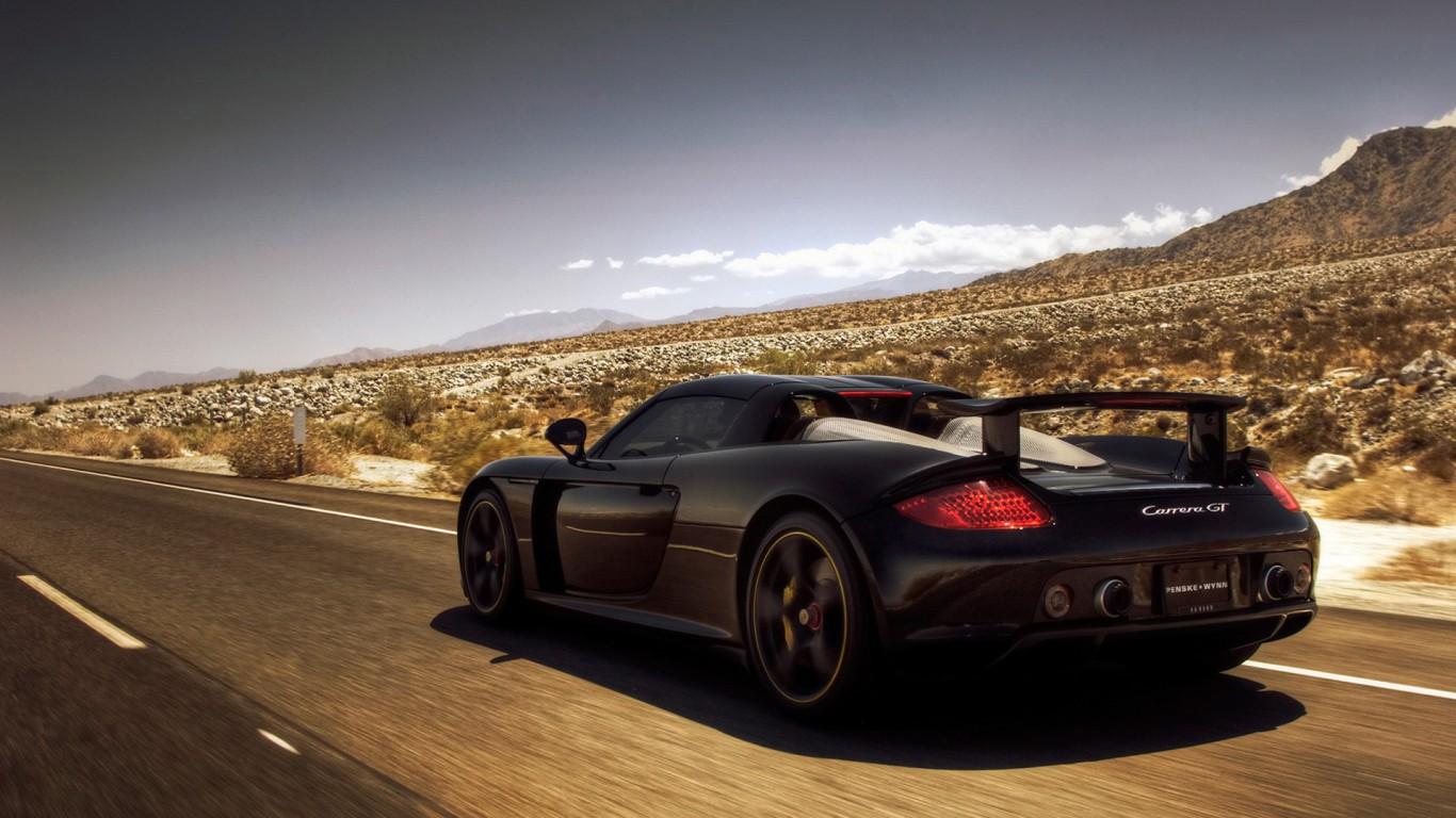 Porsche-Carrera-GT-Pozadia-na-plochu