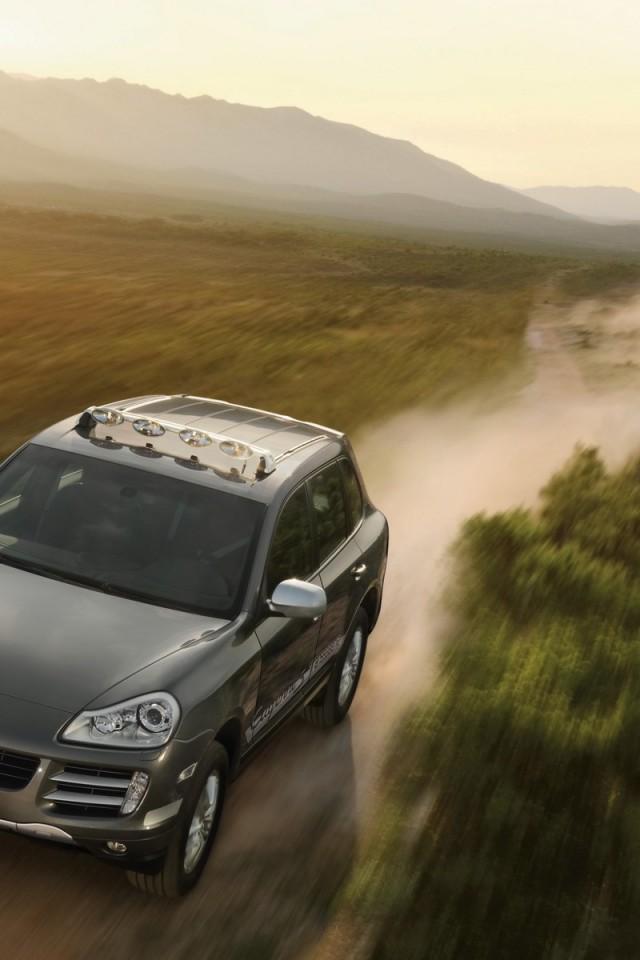 Porsche-Cayenne-S-Transsyberia-Pozadia-na-plochu