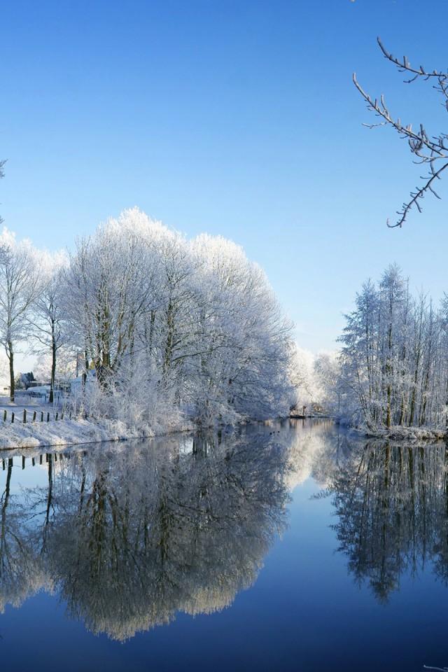 Rieka-v-zime