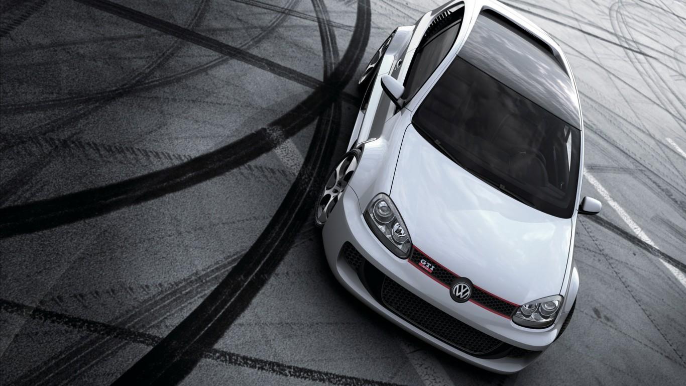 Volkswagen-Golf-GTI-W12-Pozadia-na-plochu