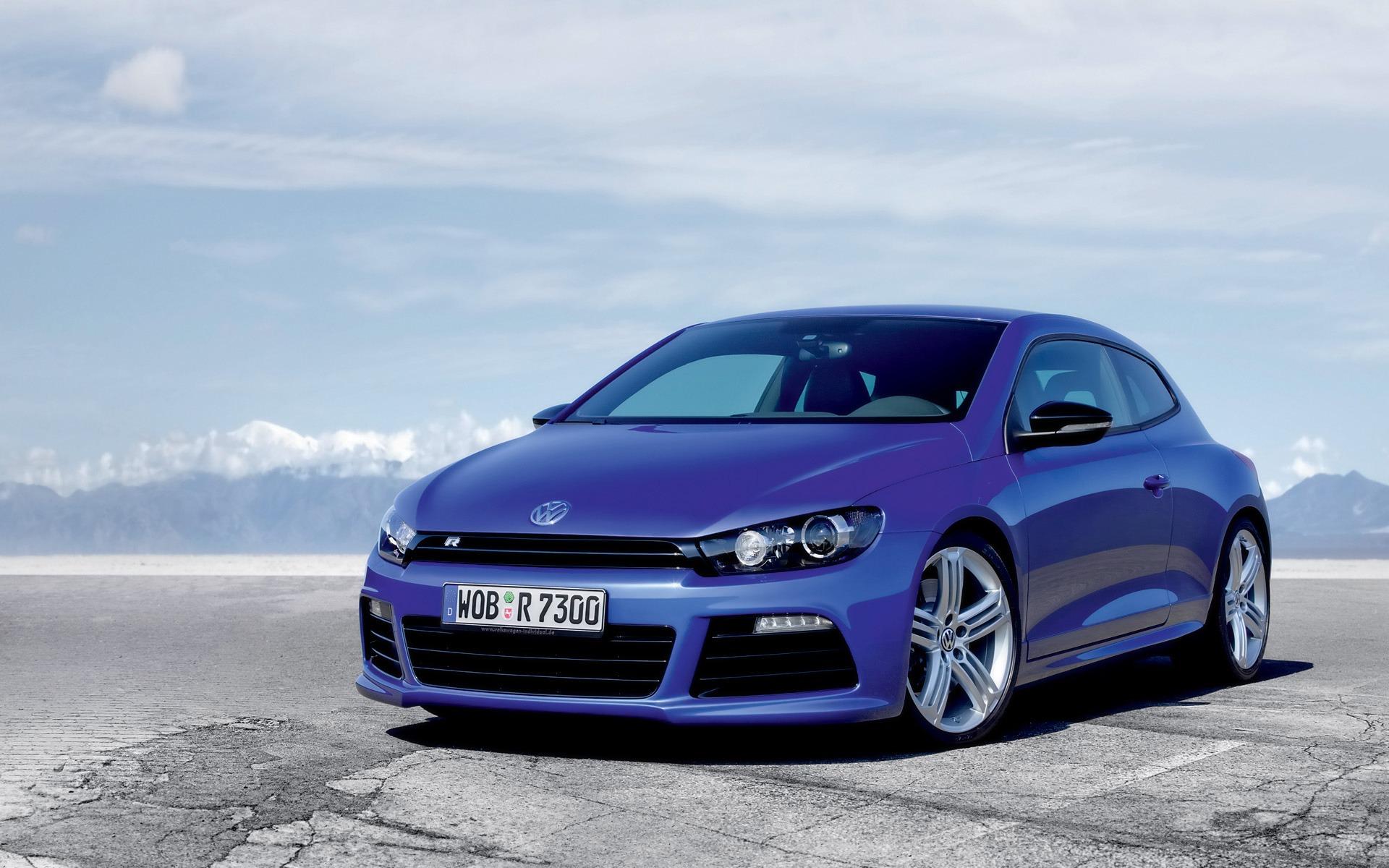 Volkswagen-Scirocco-R-Pozadia-na-plochu
