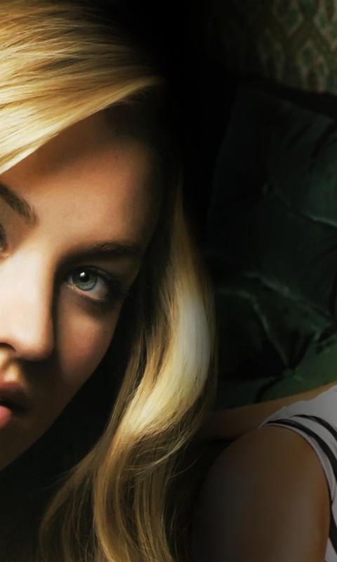 Yvonne-Strahovski-Pozadia-na-plochu