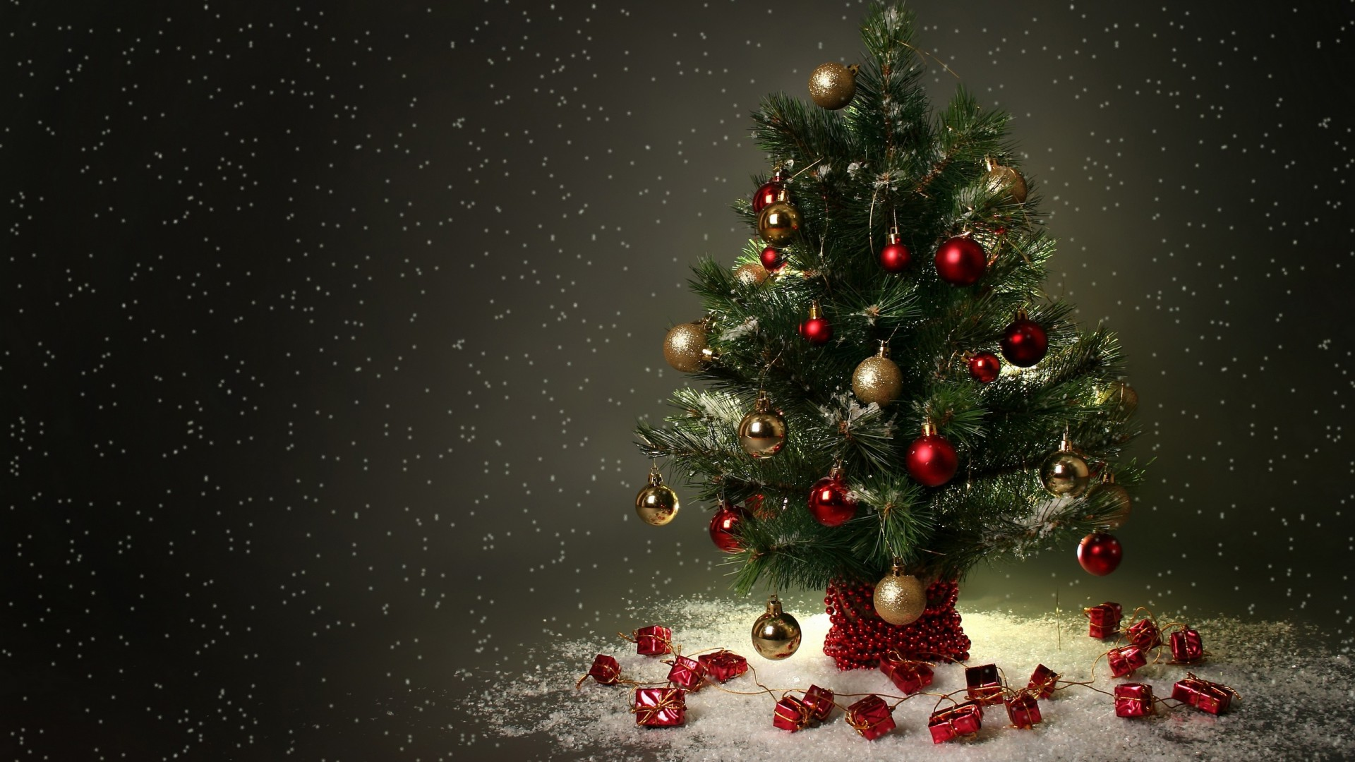 vianoce-obrazky-na-plochu-stromcek