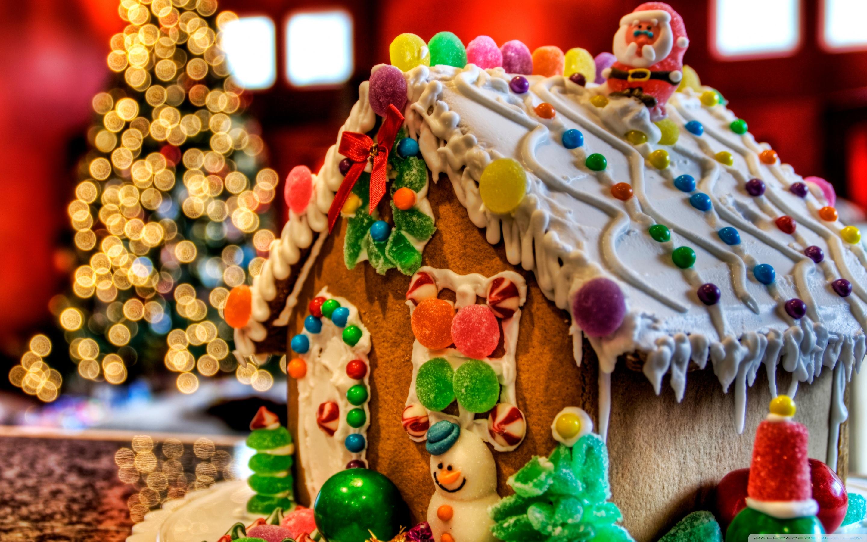 vianoce-pernik-perniky-domcek-sladkosti